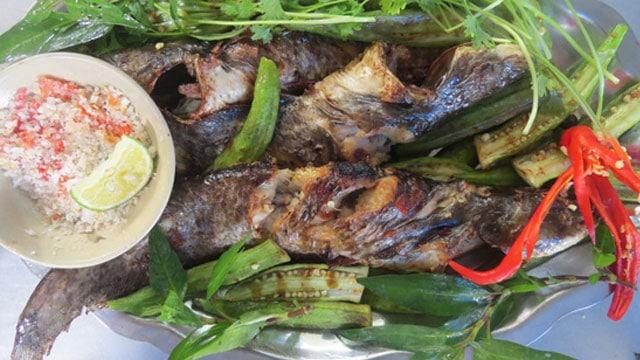 Tổng hợp đặc sản An Giang: Cá leo nướng muối ớt - Vietflavour
