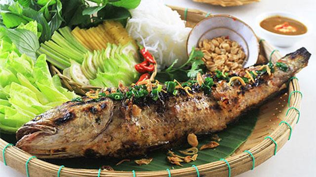 Tổng hợp đặc sản Cà Mau: Cá lóc nướng trui - Vietflavour