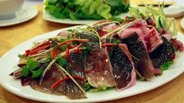 Các mon ngon Vũng Tàu phải kể tới món cá đuối 3 món - Vietflavour