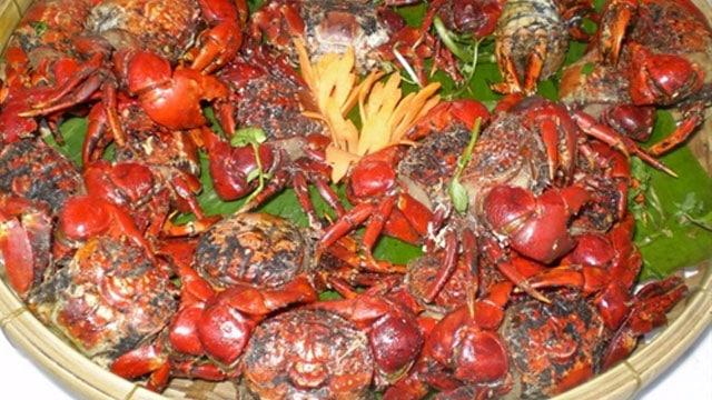 Chù ụ gần giống con cua đồng, là món đặc sản miền Tây, có nhiều ở vùng Trà Vinh, Bạc Liêu