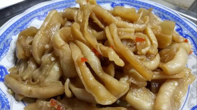 Củ cải muối Cầu Kè là một trong các đặc sản Trà Vinh nổi tiếng