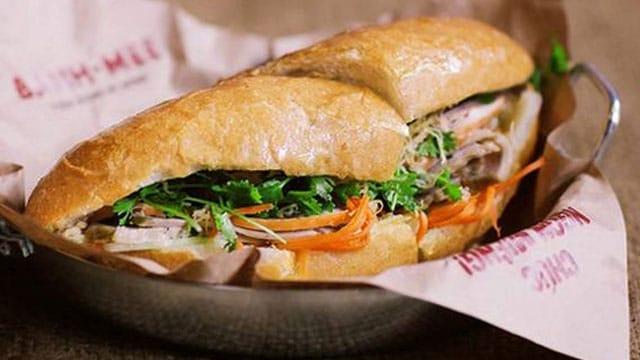 Tổng hợp tất cả đặc sản Thanh Hóa: Bánh mì Nam Hà Thanh Hóa - VietFlavour