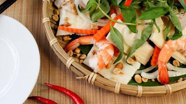 Về miền Tây mà chưa được ăn gỏi củ hủ dừa thì thật là thiếu sót - VietFlavour.Com