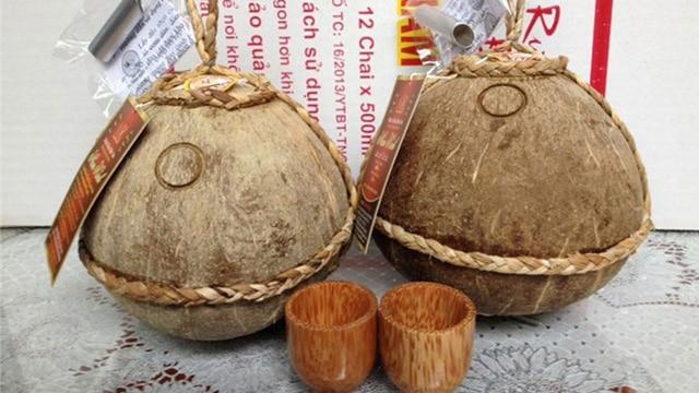 Tổng hợp tất cả các loại rượu cổ truyền ngon nhất Việt Nam: Rượu dừa Bến Tre - VietFlavour.Com